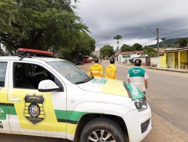 SMTT faz barreiras para evitar entrada de veículos de cidades com casos ou suspeitos de coronavirus