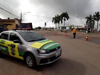 SMTT continua com trabalho de barreiras nas entradas do município