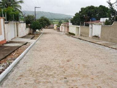 Prefeitura de Palmeira entrega pavimentação de ruas no bairro Paraíso