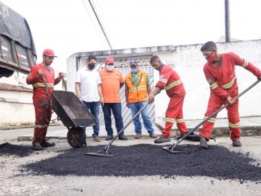 Prefeitura de Palmeira dá início à Operação Tapa-buracos