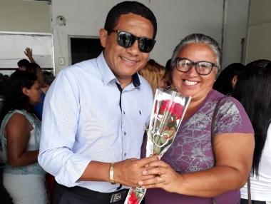 Prefeito Júlio faz homenagem a pacientes e servidoras do Cepi no Dia Internacional da Mulher