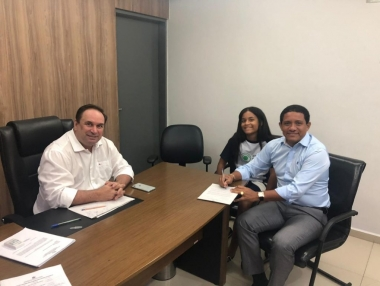 Palmeira faz adesão e unifica transporte escolar no município