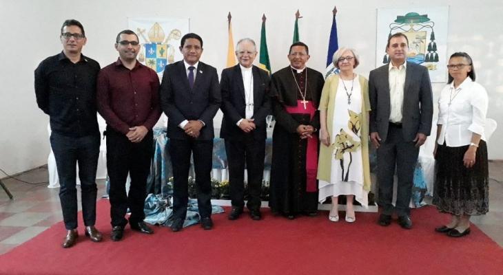Prefeito Júlio Cezar participa de Momento de Acolhida ao novo bispo de Palmeira dos Índios