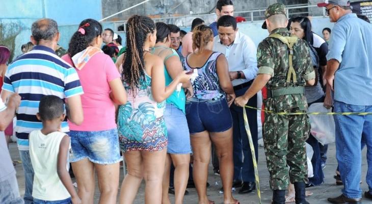 Cerca de 3 mil pessoas recebem doação de peixes, em Palmeira
