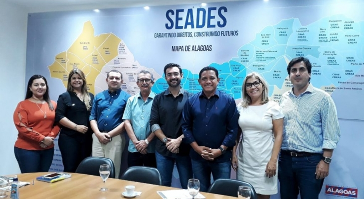 Prefeito Júlio Cezar se reúne com secretário de Estado da Assistência João Lessa, em Maceió