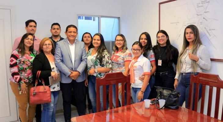 Prefeitura de Palmeira assina convênio com financeiras para crédito pessoal de servidor