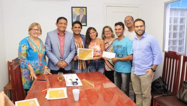 Prefeitura entrega premiação de quadrilhas campeãs do São João do Povo 2019