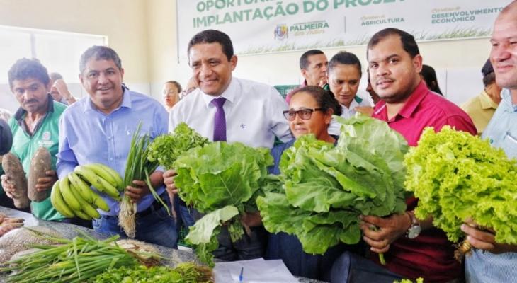 Prefeito Júlio lança mais uma etapa do Programa de Aquisição Alimentar em Palmeira
