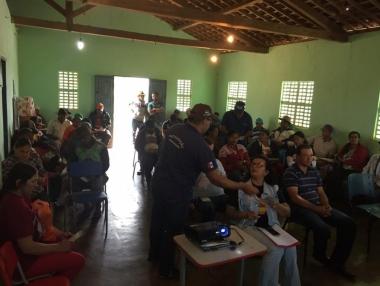 Vigilância em Saúde e ADEAL discutem raiva animal com moradores da zona rural de Palmeira