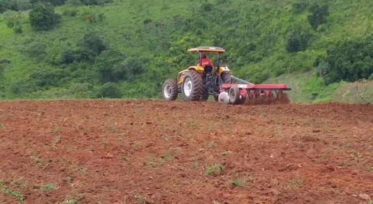 Programa Terra Arada: mais de 2.584 tarefas de terras foram aradas somente este ano